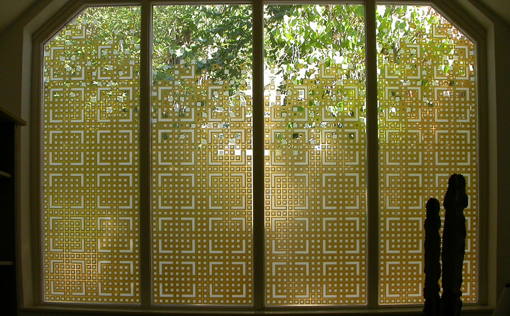 'Chinese Fretwork' inspired these designer glass screens